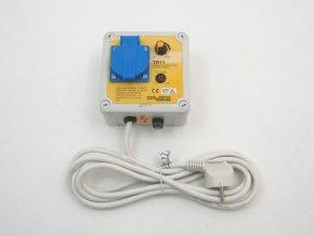 Regulátor napětí 900W