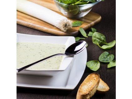 zeleninova-polievka-s-krutonmi