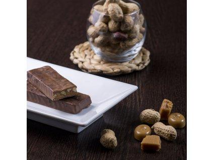 arasidovo cokoladovo karamelova tycinka