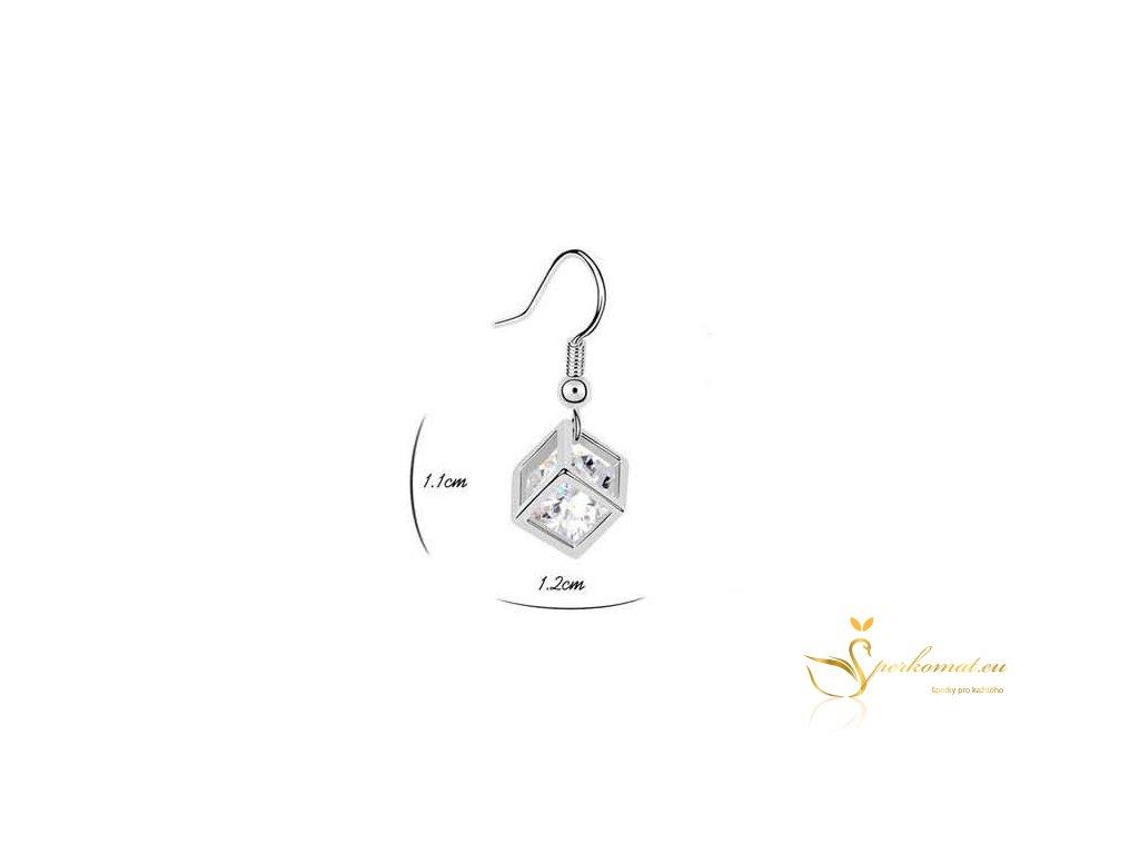 Postříbřená náušnice ve tvaru kostky s diamantem