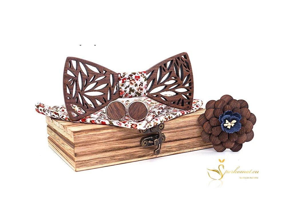 Dárková sada dřevěného motýlku s kapesníčkem a manžetovými knoflíčky.