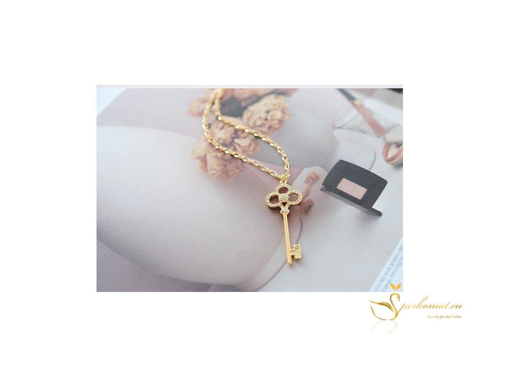 Náhrdelník s přívěškem ve tvaru klíče
