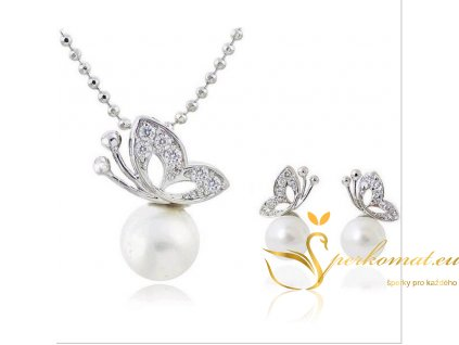 Motýl sedící na perličce