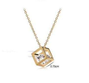 Originální pozlacený náhrdelník