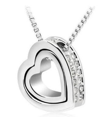Elegantní stříbrný náhrdelník dvě srdíčka