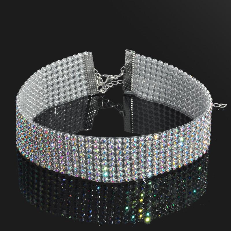 Luxusní náhrdelník (choker) posázený kamínky (drahokamy)
