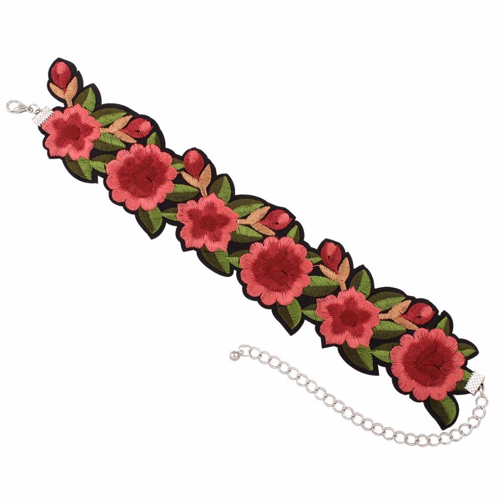 Krásný vyšívaný květinový choker náhrdelník
