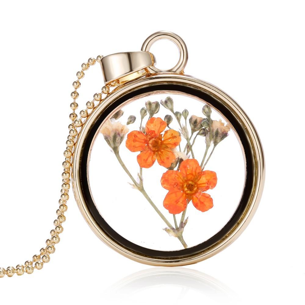 Originální skleněný náhrdelník s květinou uvnitř