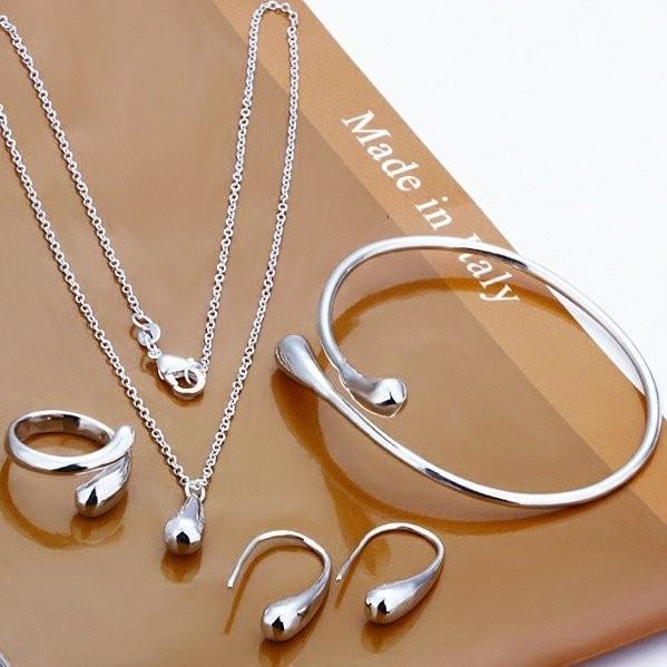 Stříbrný set ve tvaru kapky. Náušnice, prsten, náramek a náhrdelník