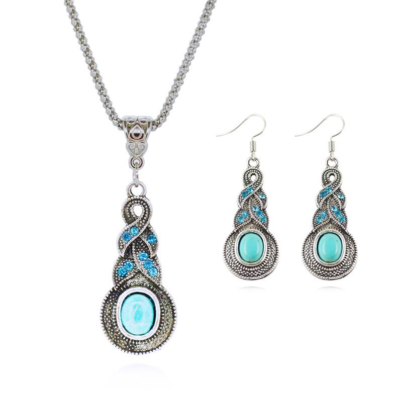 Vintage set. Náušnice a náhrdelník ve tvaru kapky