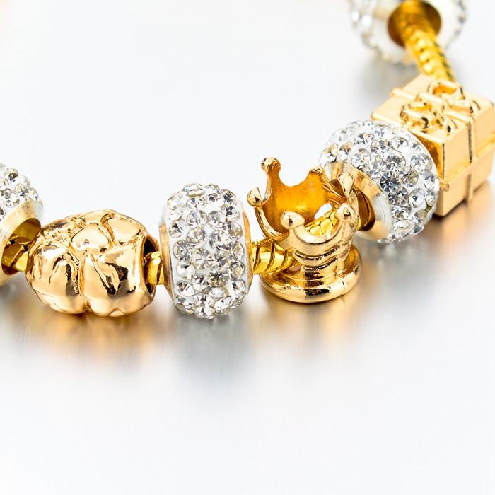 Luxusní pozlacený náramek vhodný jako dar z lásky