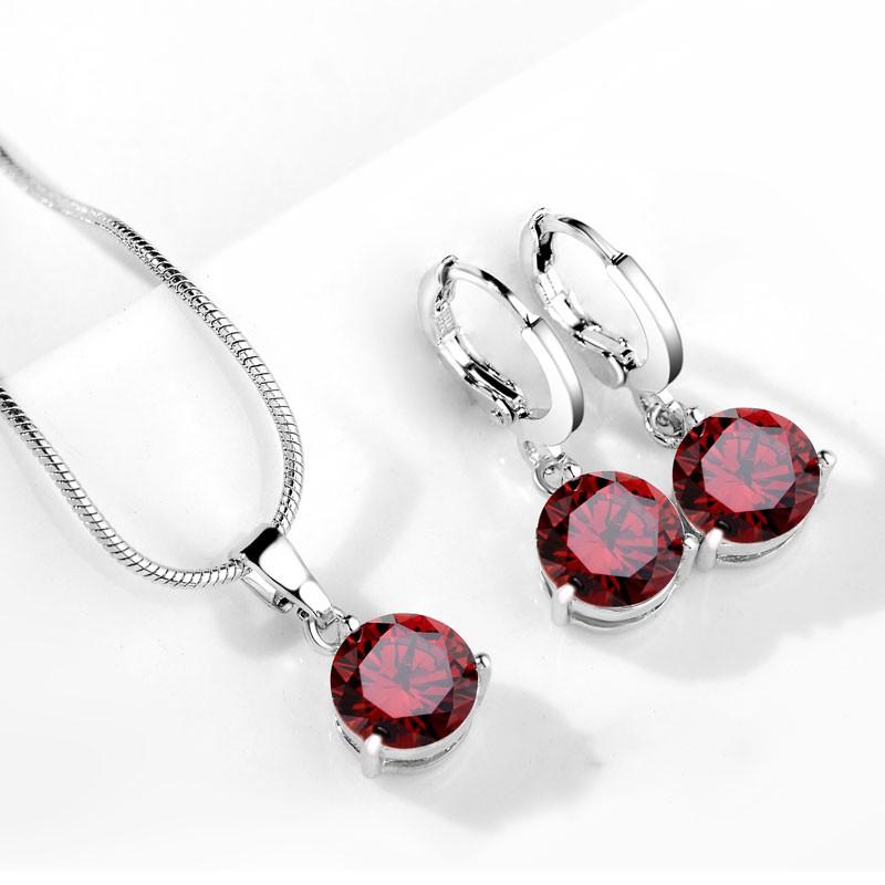 Set náušnice s náhrdelníkem. Rudé zirkony