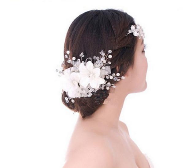 Luxusní svatební (plesová) ozdoba na vlasy.Bílá.