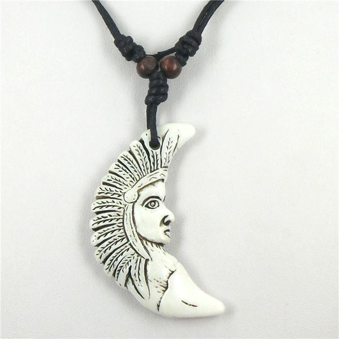 Náhrdelník (talisman) tvář ženy.