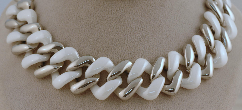 Náhrdelníky z chirurgické oceli