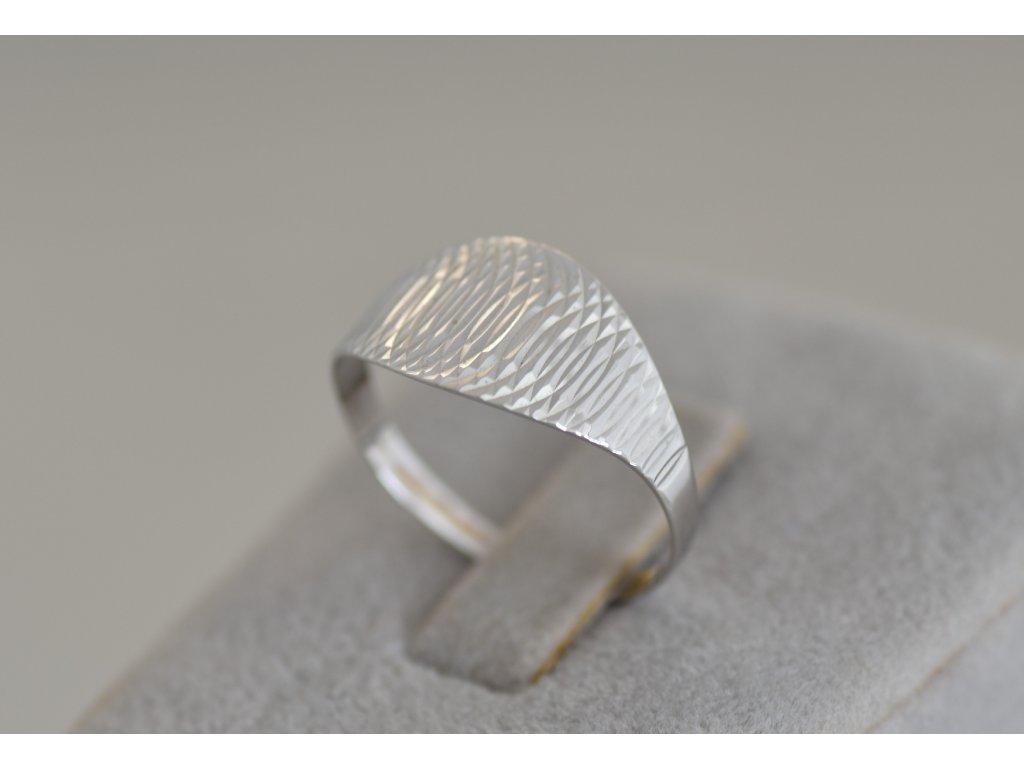 Prsten z bílého zlata Sia 6