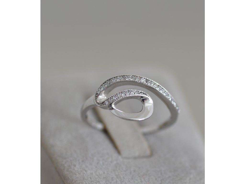 Prsten z bílého zlata Sia 7
