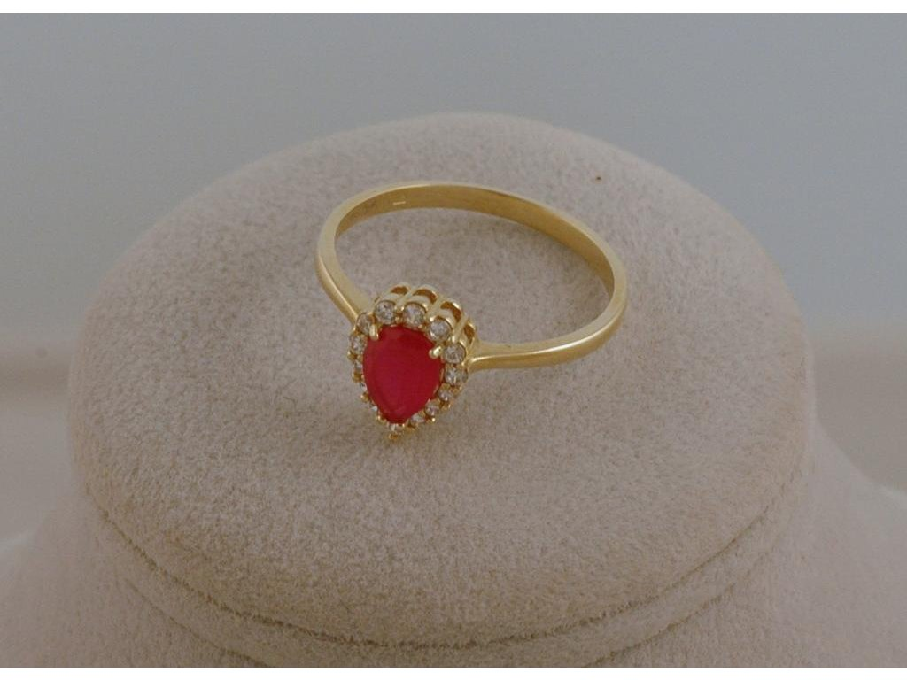 Prsten ze žlutého zlata Rubín