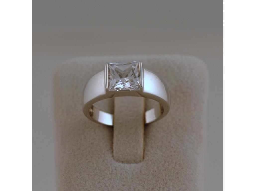 Stříbrný prsten Zana
