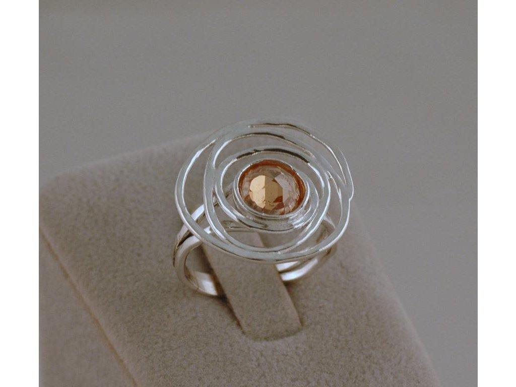 Stříbrný prsten Izolda