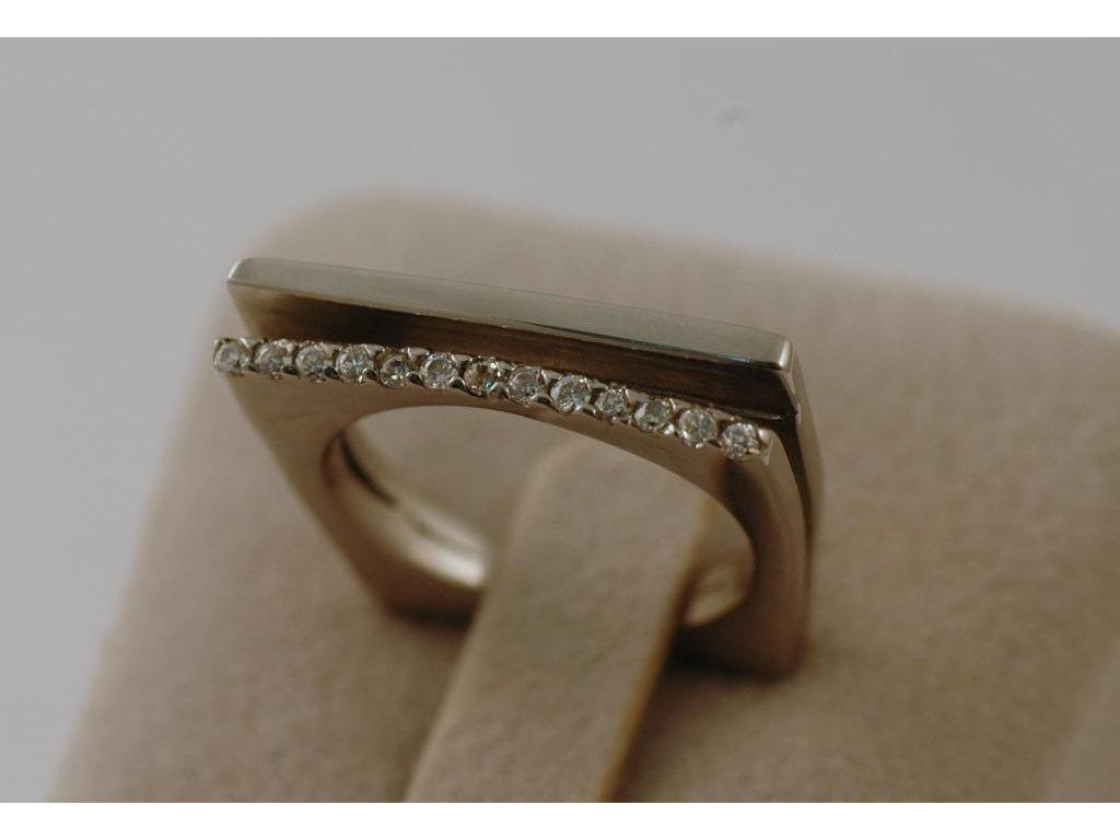 Prsten z chirurgické oceli Darius