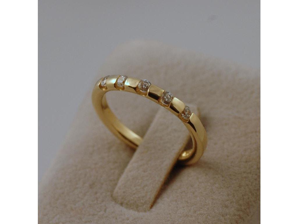 Zlatý prsten Saron