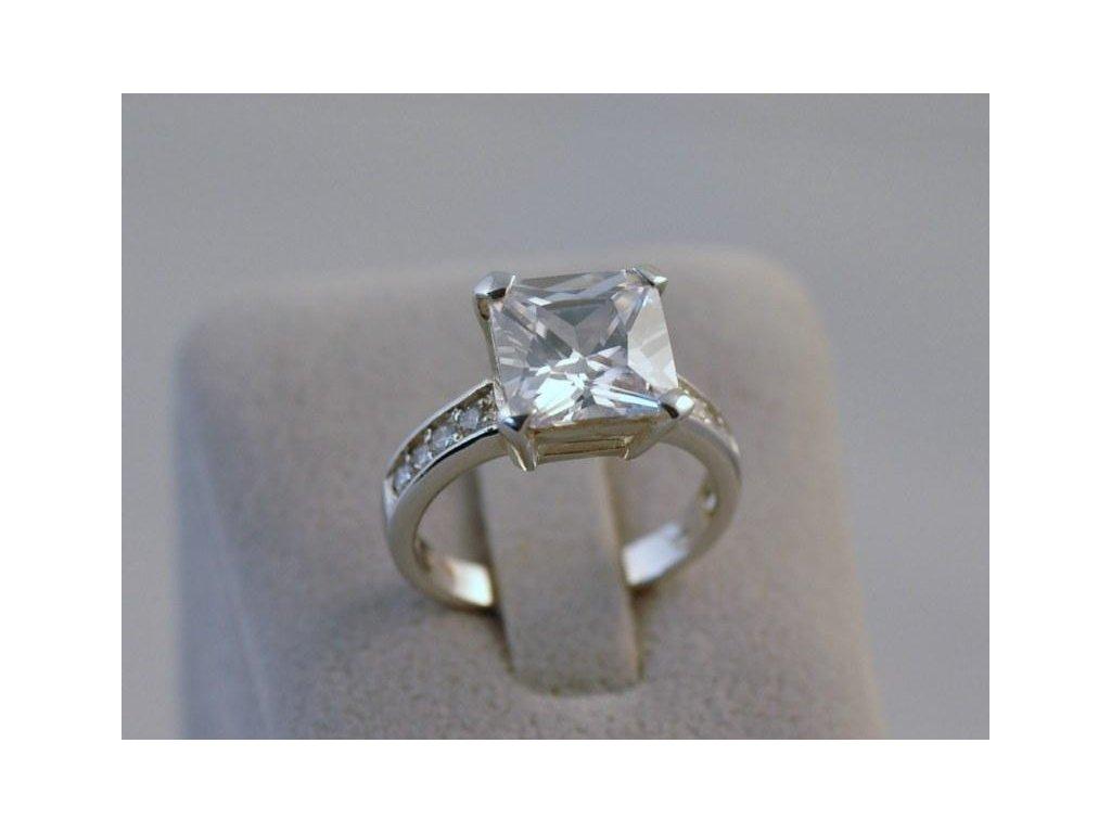 Stříbrný prsten Brigit