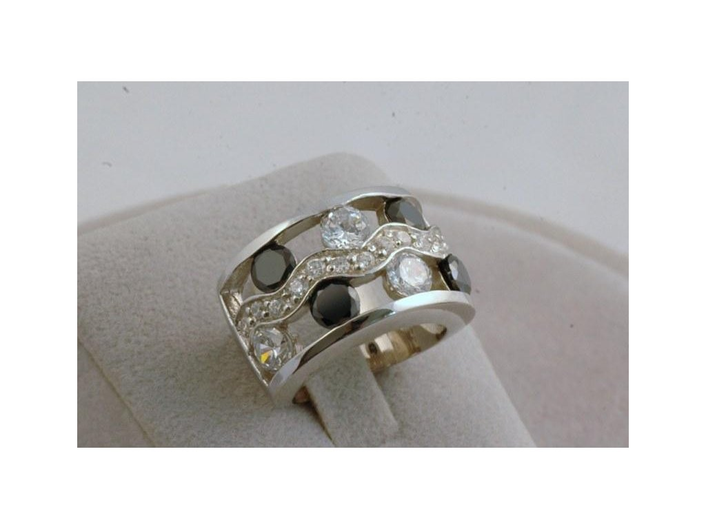 Stříbrný prsten Norbert
