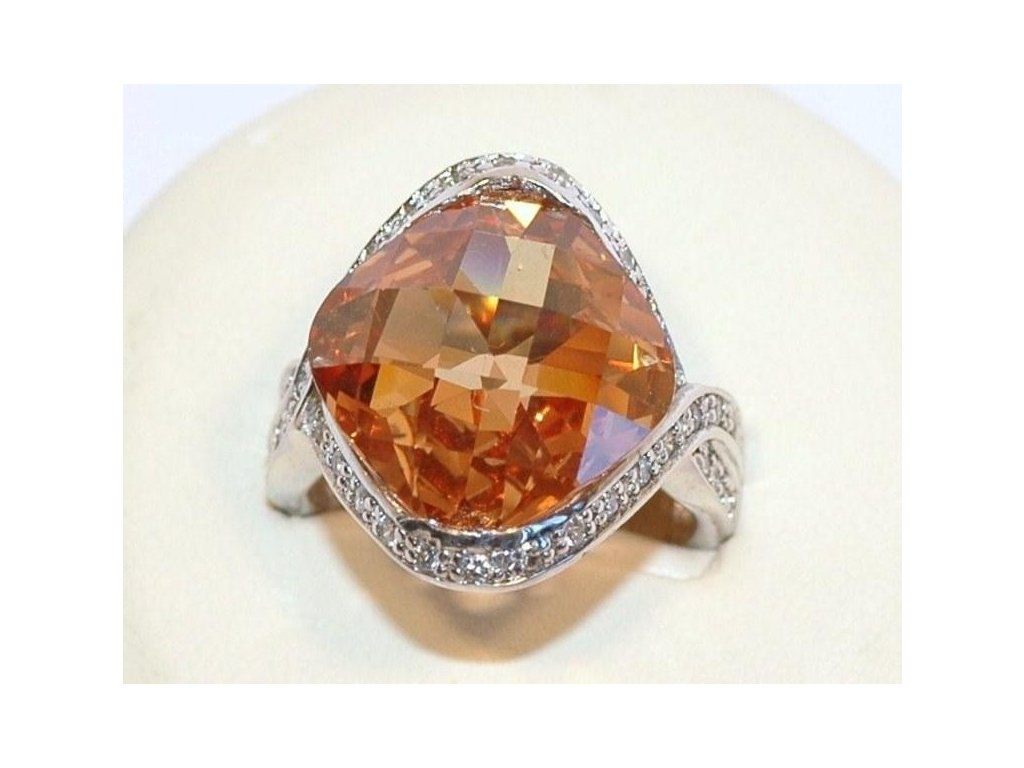 Stříbrný prsten Topaz