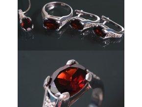 Giada 1 - granátový šperk