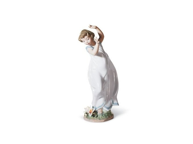 lladro lily symbol of purity