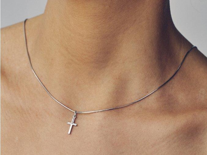 Stříbrný křížek gal
