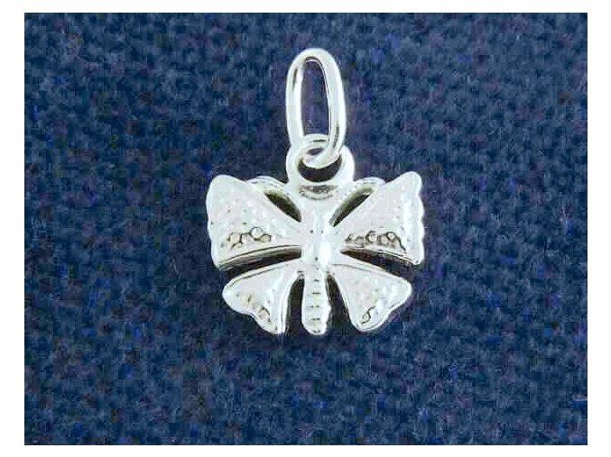 Stříbrný přívěsek motýl 106001