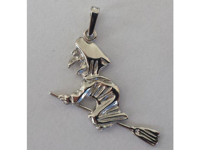 Přívěsek čarodějnice stříbrný 105601