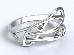 Stříbrný prsten proplétaný