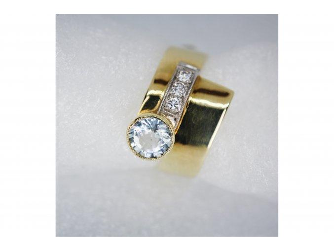 Prsten s Akvamarýnem a diamanty