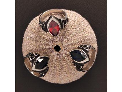 Keltský prsten  z chirurgické nerez oceli 316L s broušeným kamenem 2