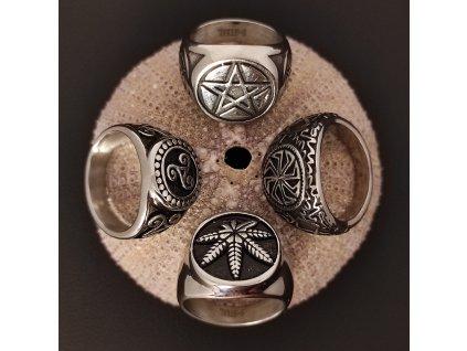 Prsten z chirurgické nerez oceli s keltskými a dalšími symboly - trojitý uzel, pentagram, kolovrat