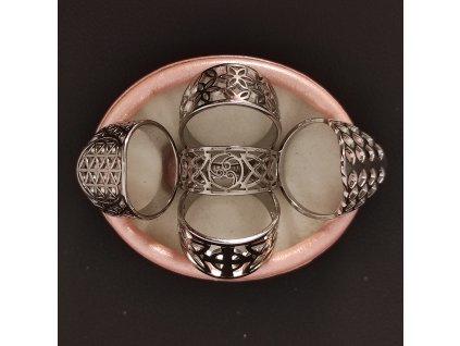 Decentní prsten z chirurgické nerez oceli 316L - symbol květina života, triskel, kříž, květiny