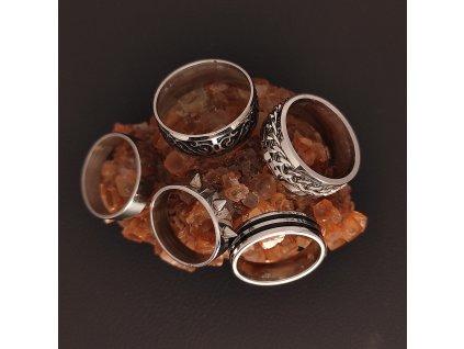 Decentní jemné prsteny z chirurgické nerez oceli 316L - řetěz, punk, goth, spirály