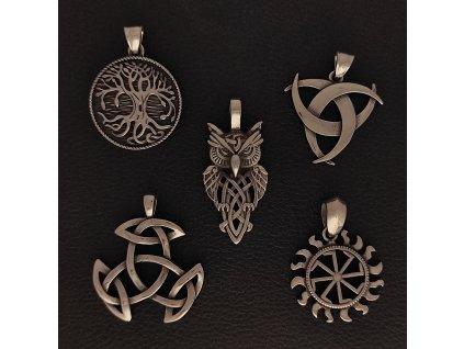 Přívěsek z chirurgické nerez oceli 316L - Mytologické symboly - Strom života, Triquetra, Kolovrat, Keltský půměsíc