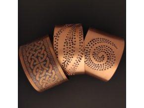 Ručně vyrobené náramky s keltským vzorem z mědi