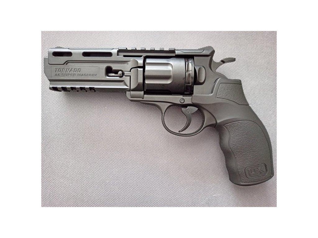 Revolver tornádo 1