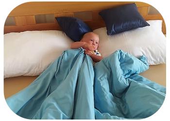 Spánek dětí - vlastní postýlka nebo spaní s rodiči?
