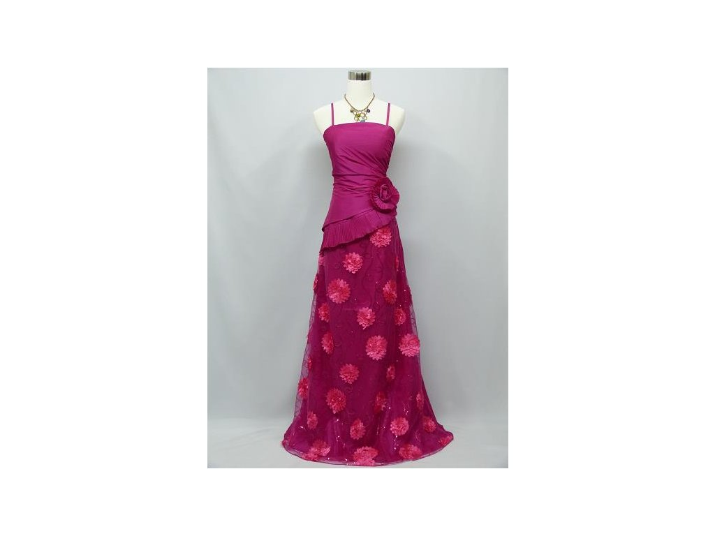 7b4999f3fde2 Růžové dlouhé společenské levné plesové šaty s krajkou a kytkami na ...