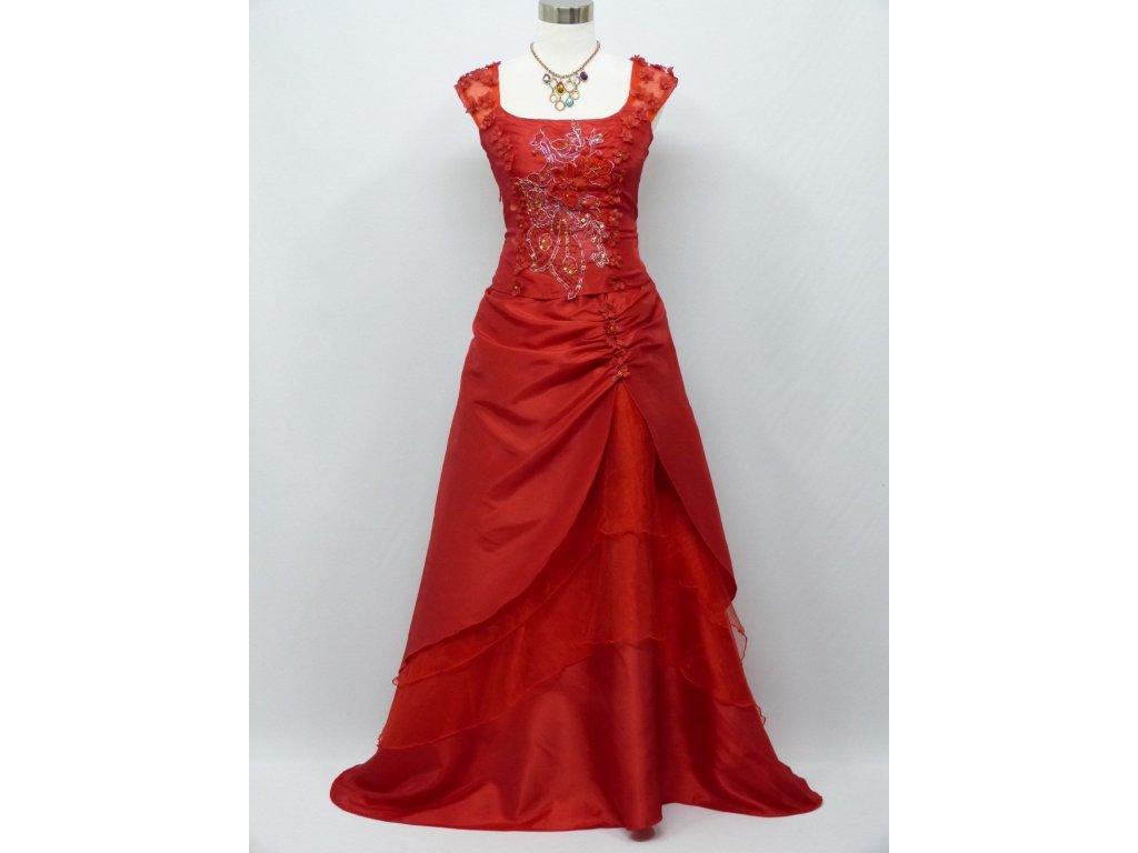 Červené dlouhé společenské šaty na širší květinová ramínka na ples c0356aa c1663682ded