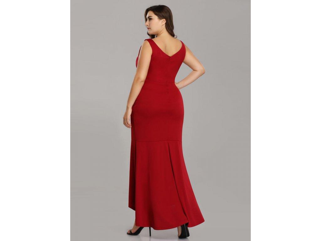 ... Červené společenské šaty s květinovou výšivkou pouzdrové vpředu kratší  1 ... 892cbe4de2