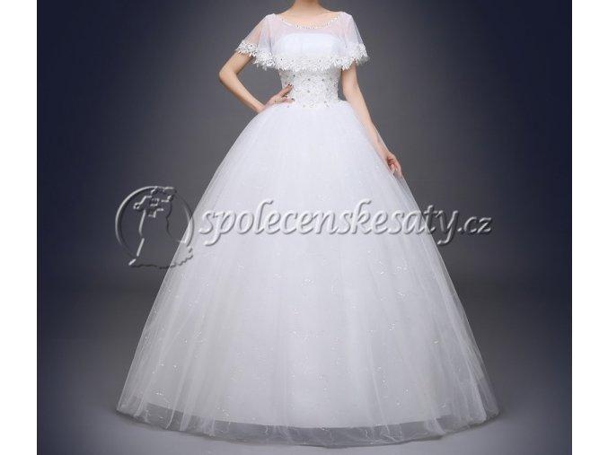 Bílé luxusní svatební šaty se zavojem kolem ramen