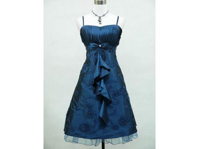 Modré kátké společenské šaty koktejlky s kanýrem vyšívné pro plnoštíhlé