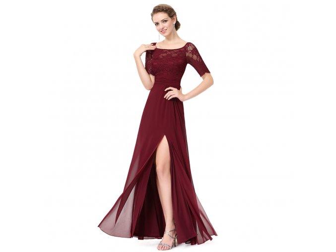 Červené vínové dlouhé společenské šaty s krajkovým rukávem a rozparkem